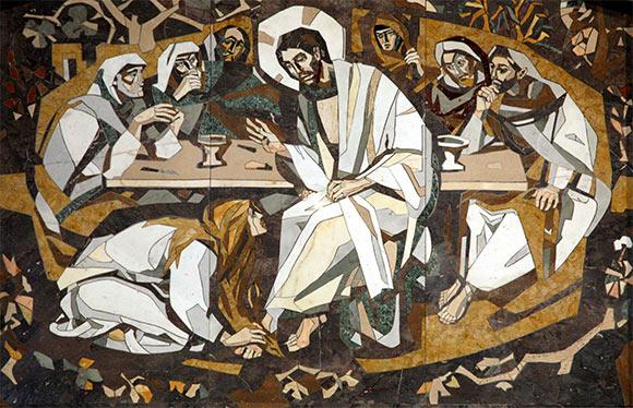 annointing Jesus' feet